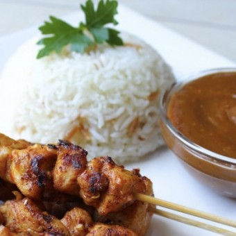 CHICKEN SATAY WITH RICE (INDONESIA)